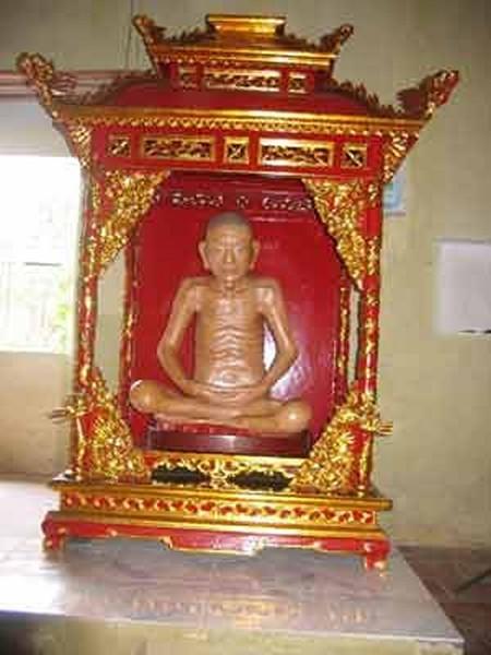 VỊNH PHONG CẢNH - Page 10 Phatgiao-org-vn-ngoi-chua-voi-nhieu-bi-an-doc-nhat-vo-nhi-tieu-son-co-tu1