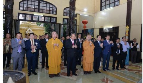 Phó Thủ tướng Thường trực Trương Hoà Bình thăm Ban điều phối GHPGVN tại Lào